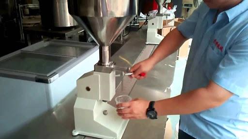 máy chiết rót mỹ phẩm